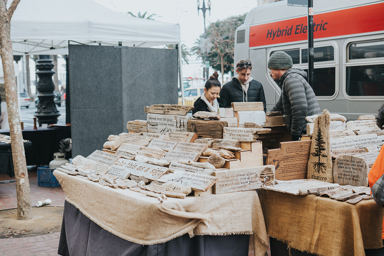 Tips for photographing street markets - shop stall
