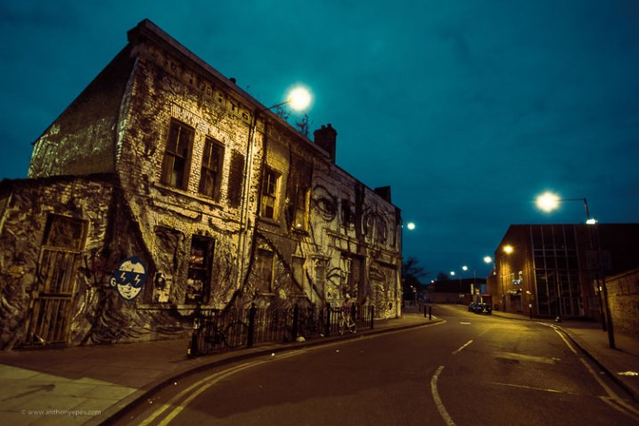 night street scene - How to overcome your technical or artistic shortcomings and improve your photography