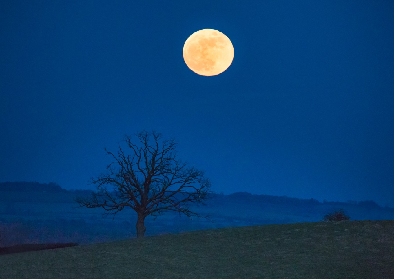 Nighttime photography 02 - full moon landscape at night