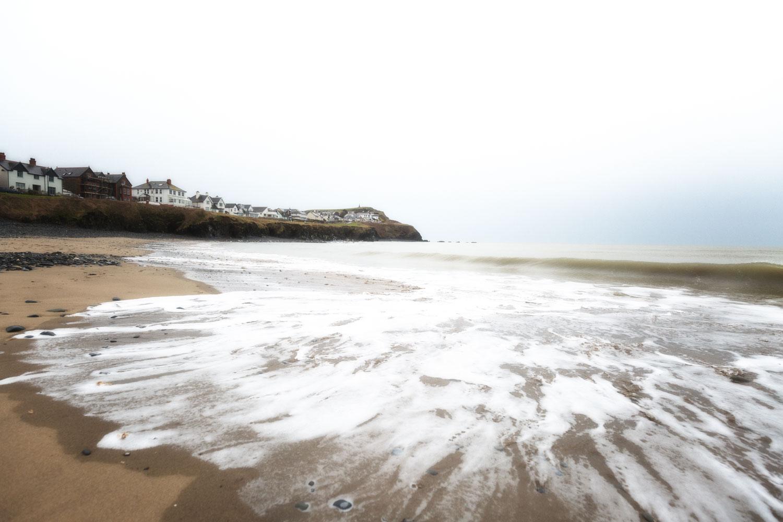 在海滩上营造出明亮的外观 - 潮流