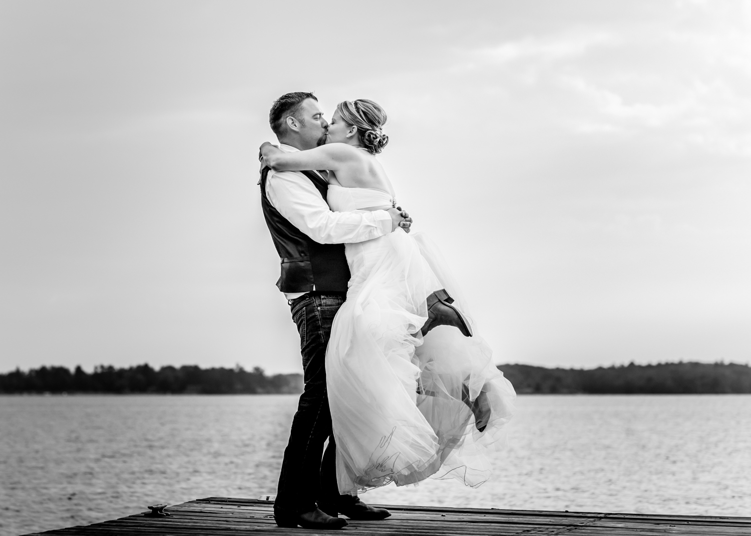 wedding couple kissing - Wedding Photography Tip - 3 Ways to Tame a Bridezilla