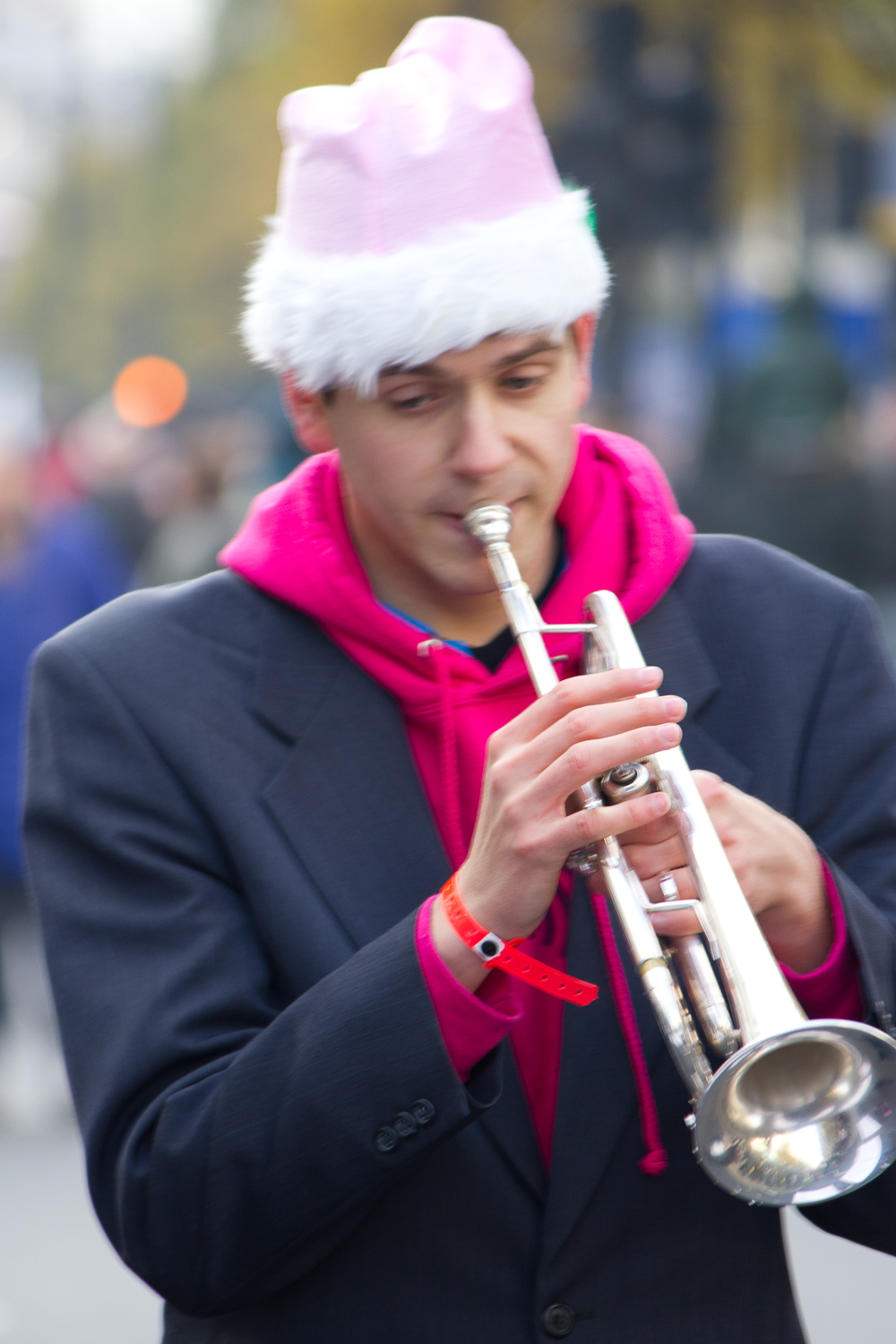 blurry trumpet player -  Travel Photography Mistakes