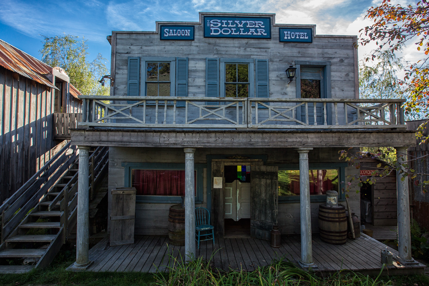 old saloon hotel - Using HDR Photography to Your Advantage