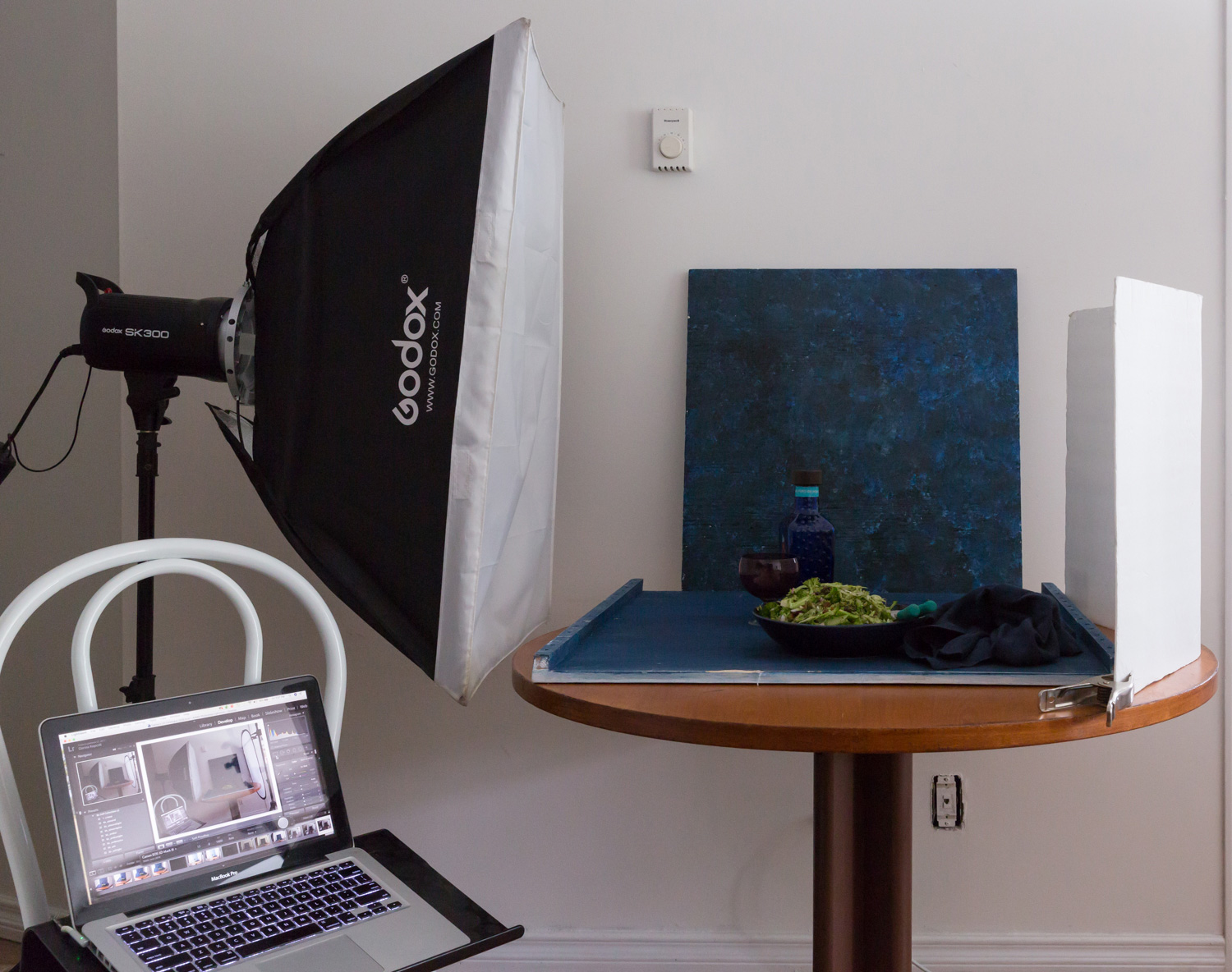Image: An example lighting setup using a large softbox as the light modifier.