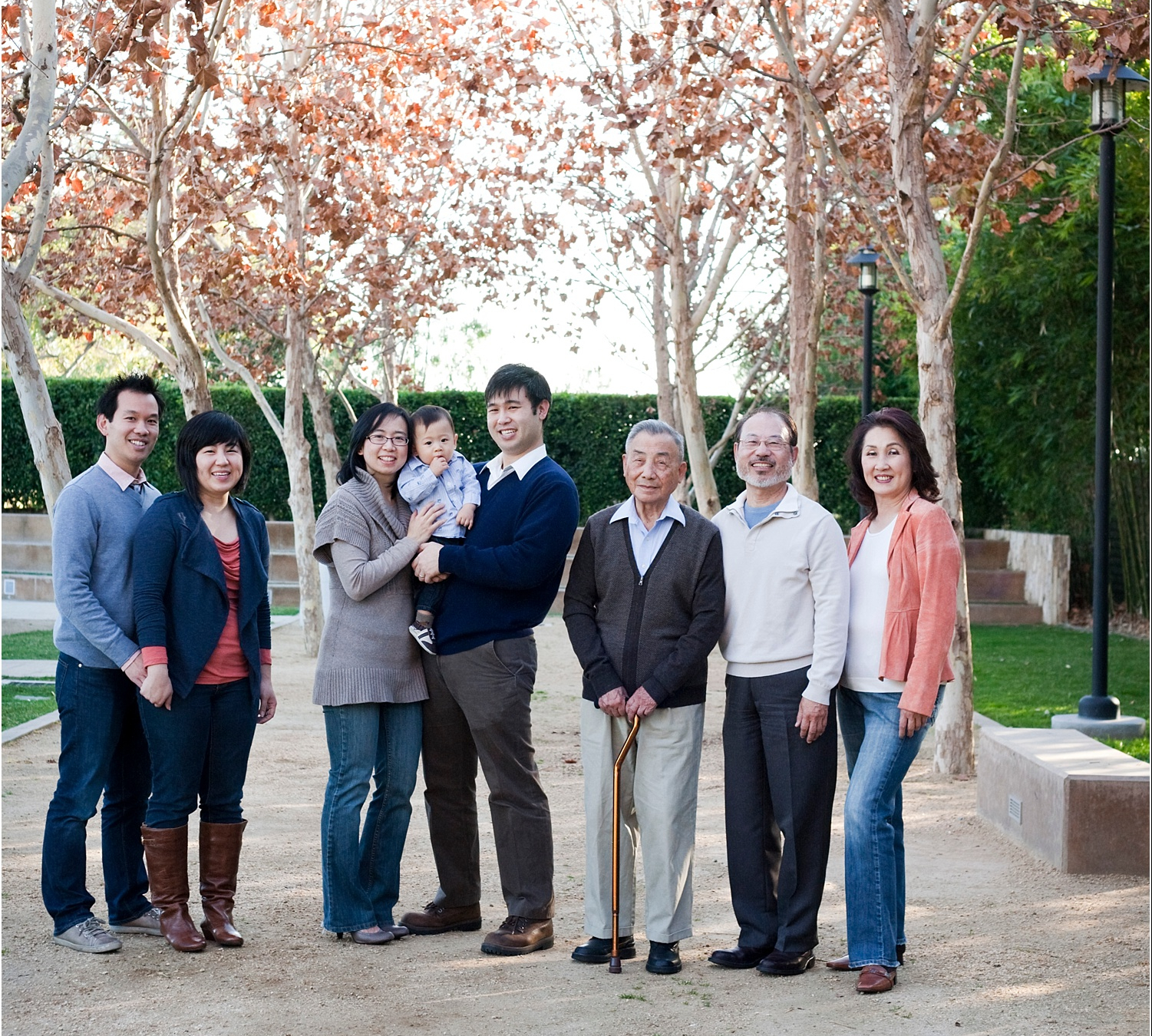 Tips for Posing Large Families and Groups - extended family standing