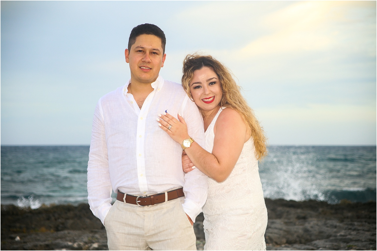 couple in white - Using Flash for Beach Portraits