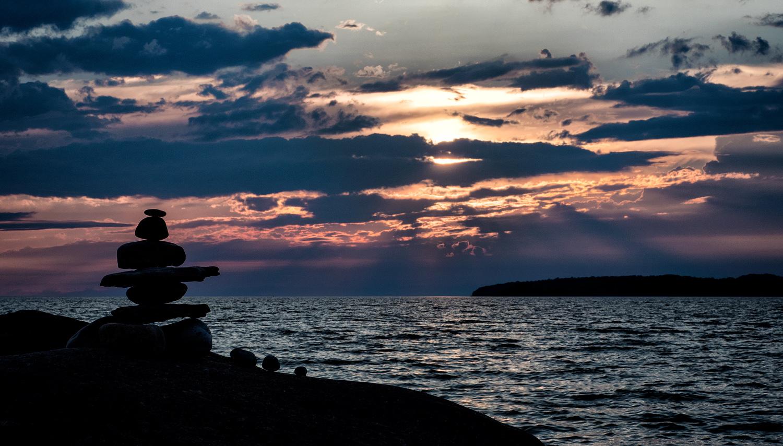 rock silhouette sunset - Sensor-Shift Technology