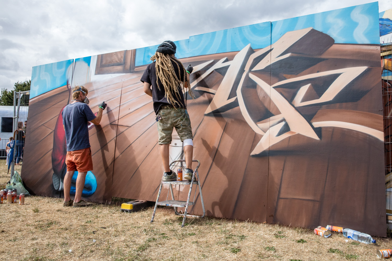Street photography 06 - graffit artists working