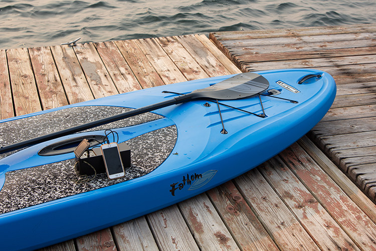 Review of the Iforway PowerElf Outdoor Mini Power Station and a blue kayak