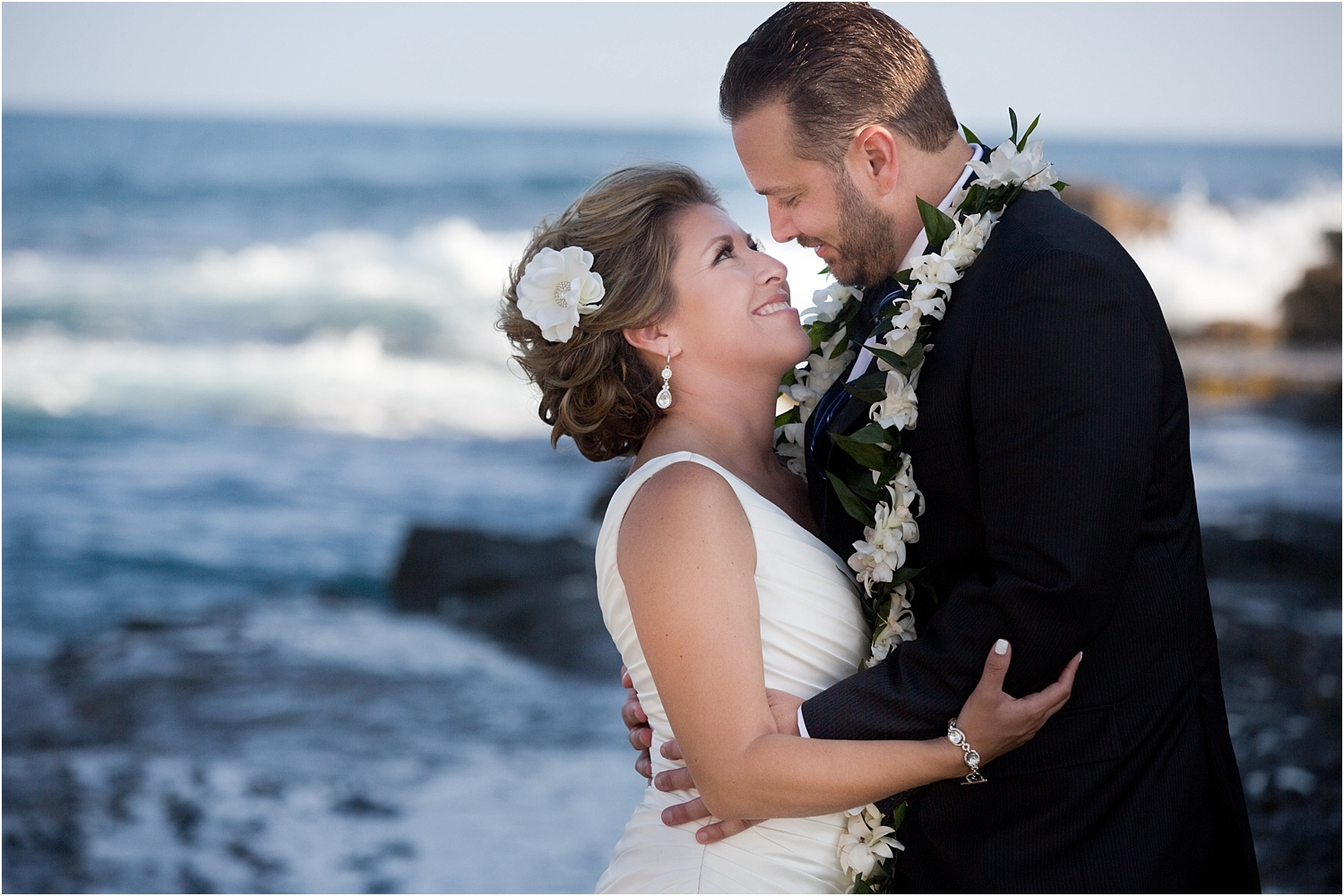 wedding portrait couple on by the ocean