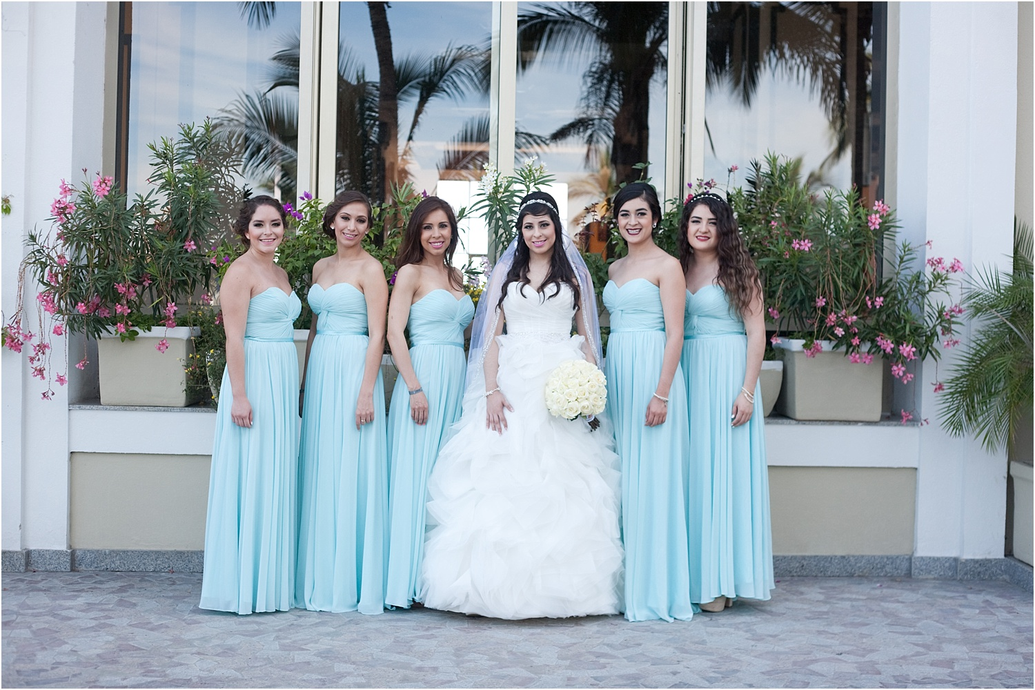 How to photograph family and bridal party portraits quickly at weddings 23