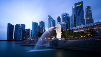 Tips for Using Neutral Density Filters for Cityscape Photography at Blue Hour