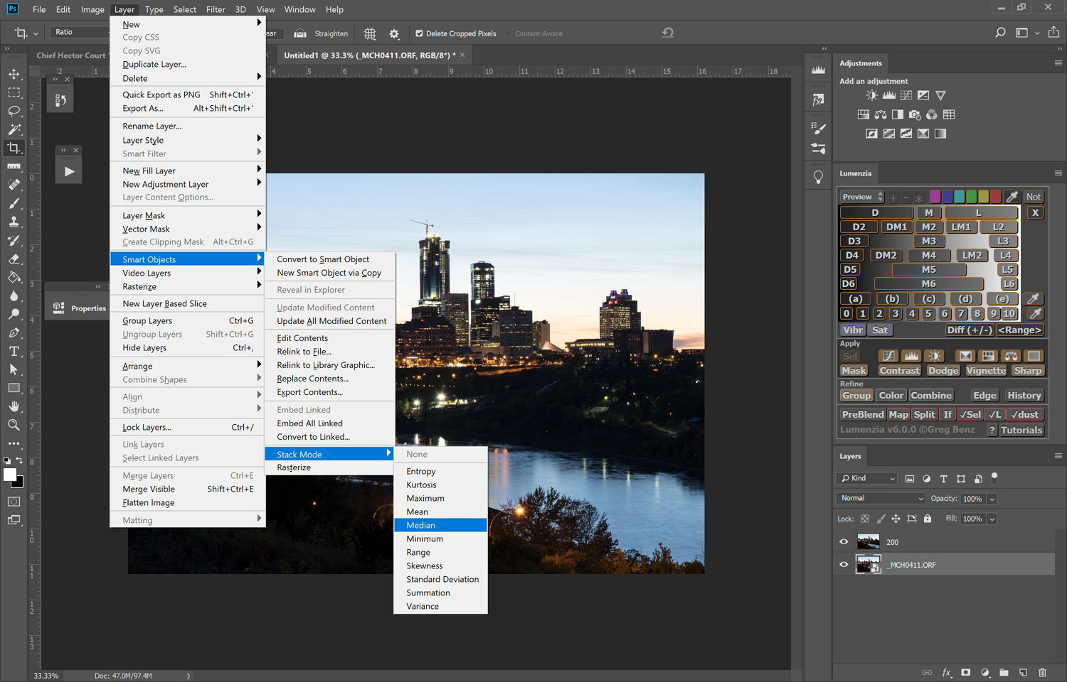 Image: Use the median stack mode to blend the layers.