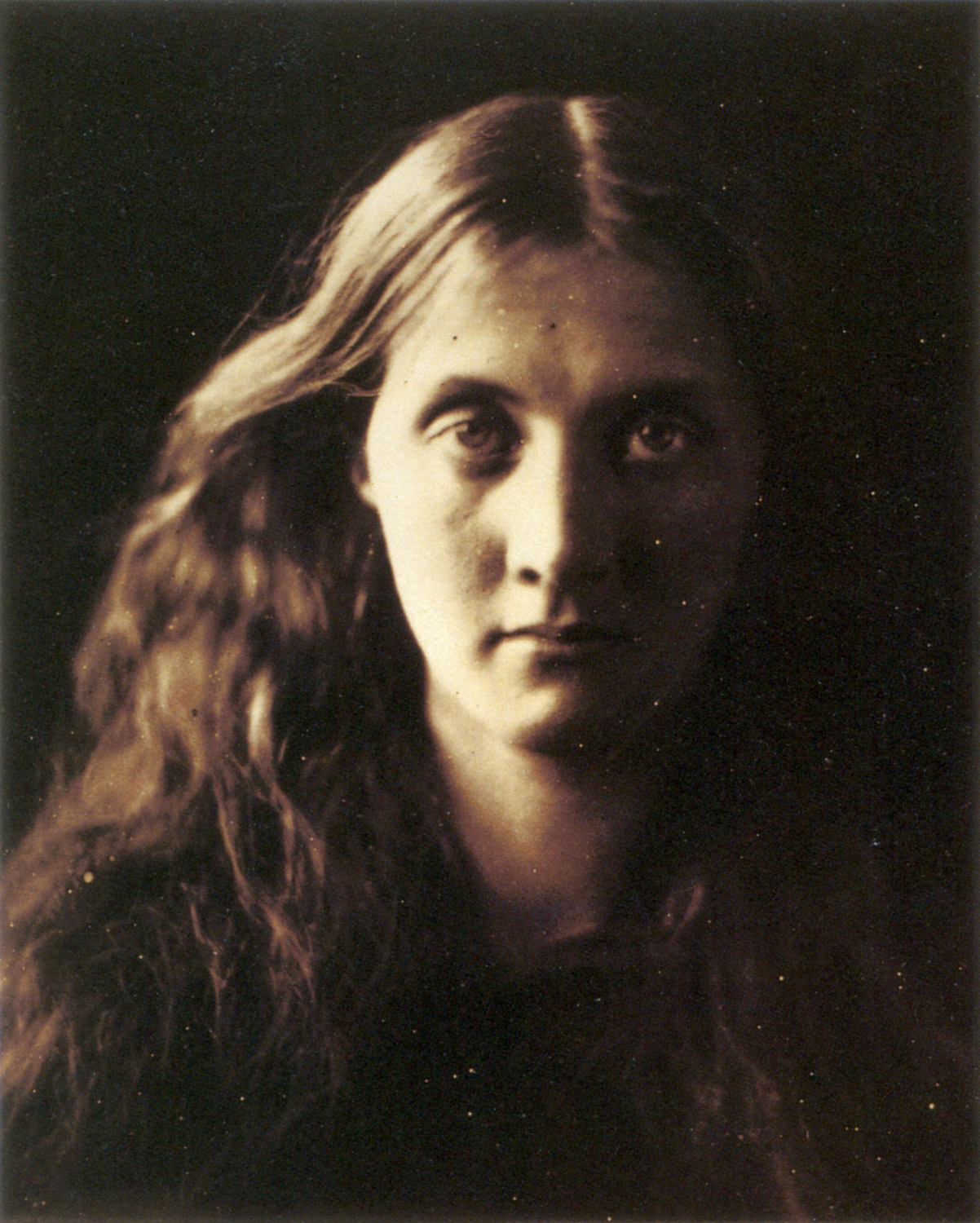 https://i0.wp.com/digital-photography-school.com/wp-content/uploads/2018/12/Julia_Margaret_Cameron.jpg?resize=1202%2C1500&ssl=1