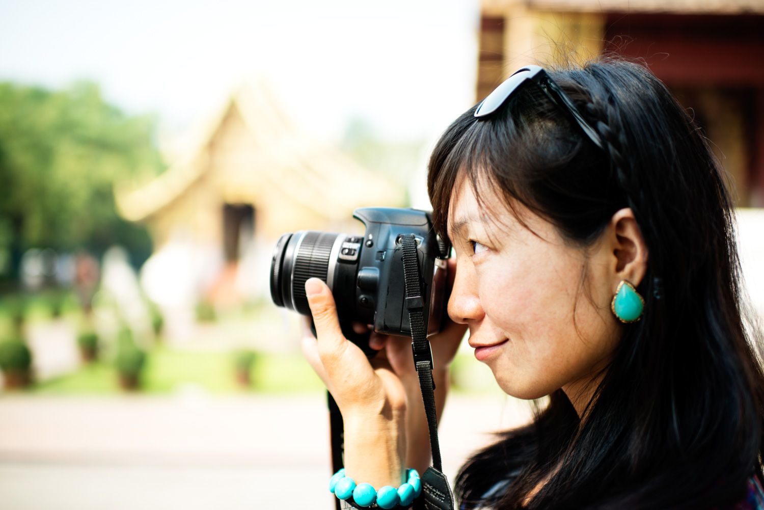 How To Read Your Camera Manual Chinese Woman Photographer