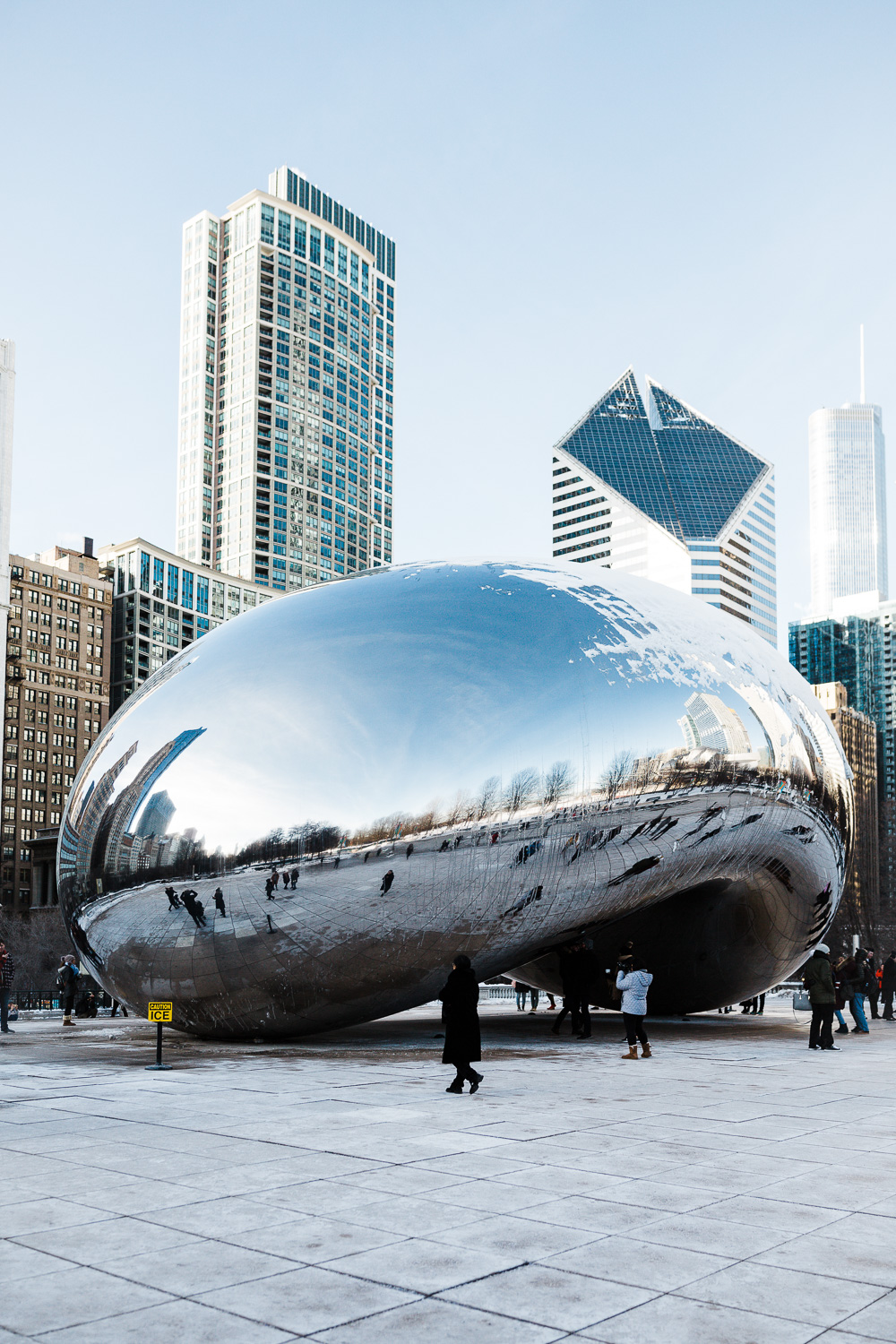 Karthika Gupta Photography - Memorable Jaunts Sigma 28mm lens review Chicago The Bean wide angle photo