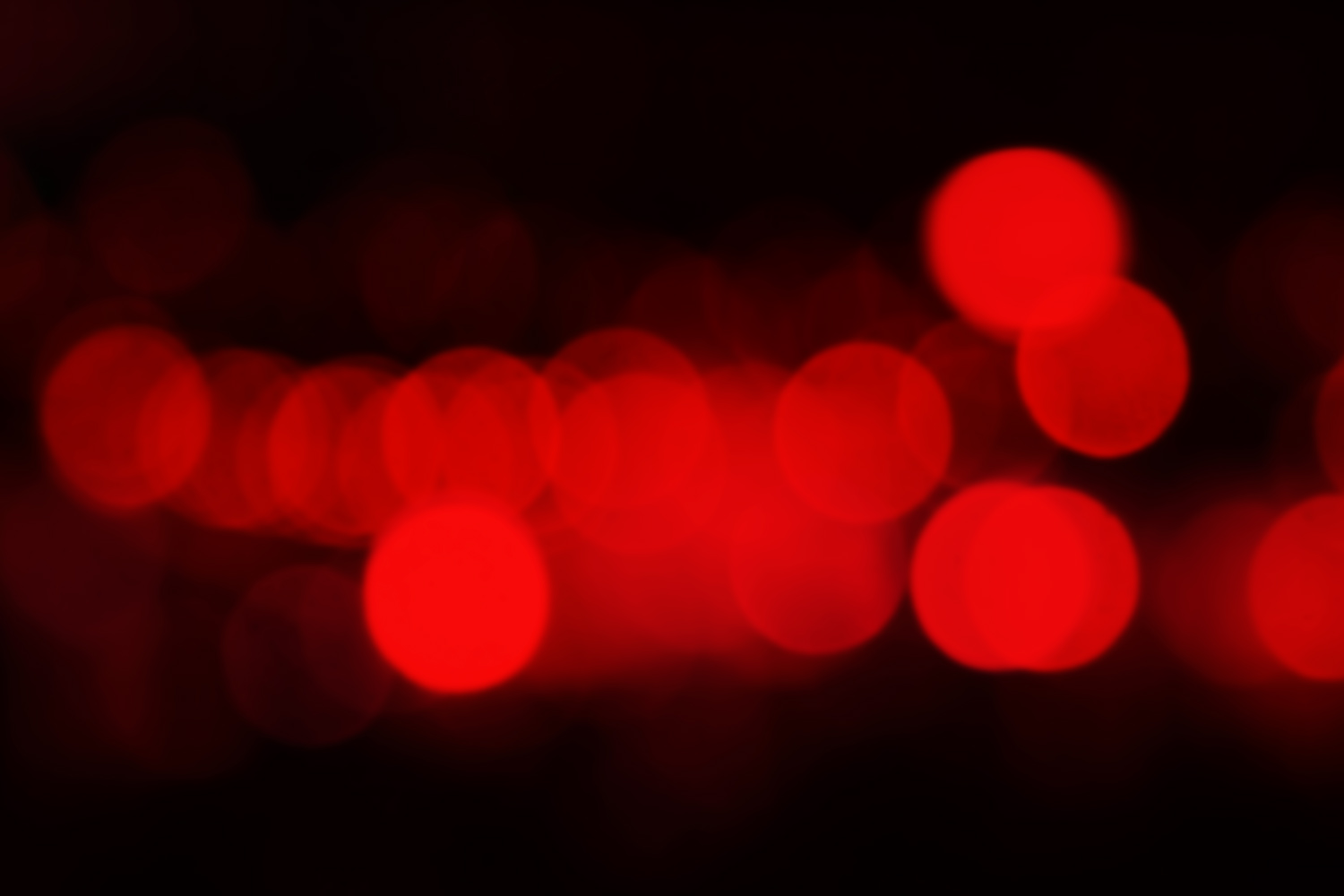 https://i0.wp.com/digital-photography-school.com/wp-content/uploads/2019/02/Photography_red_bokeh_night.jpg?resize=1500%2C1000&ssl=1