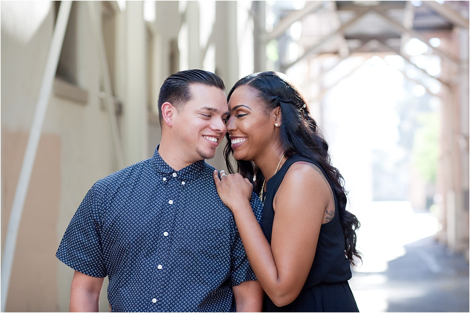 17 - Guide to the Best Poses for Engagement Photos