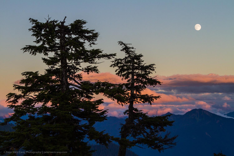Image: Full moon over Washington's Cascade Mountains