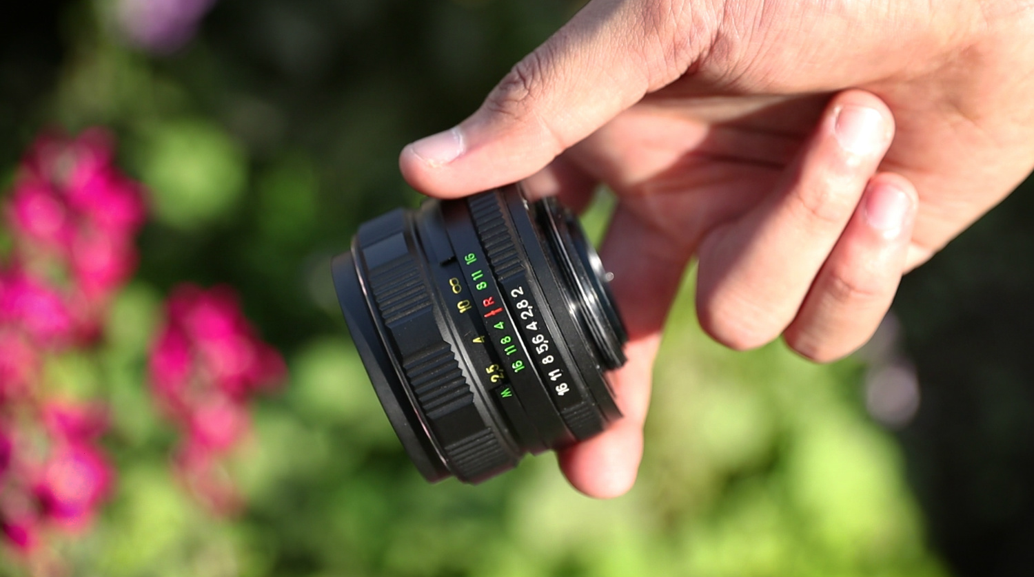 Photoshoot with 30-Year-Old HELIOS 44M-4 58mm f/2 Lens