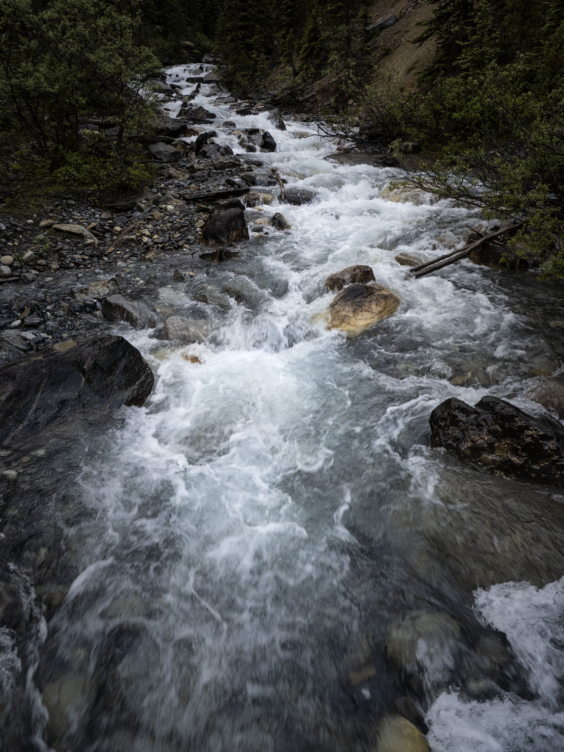 Image: Capturing a flowing stream during the day with normal settings