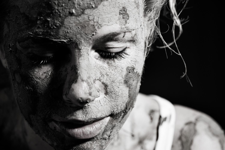 Muddy Ceramic artist Close Up
