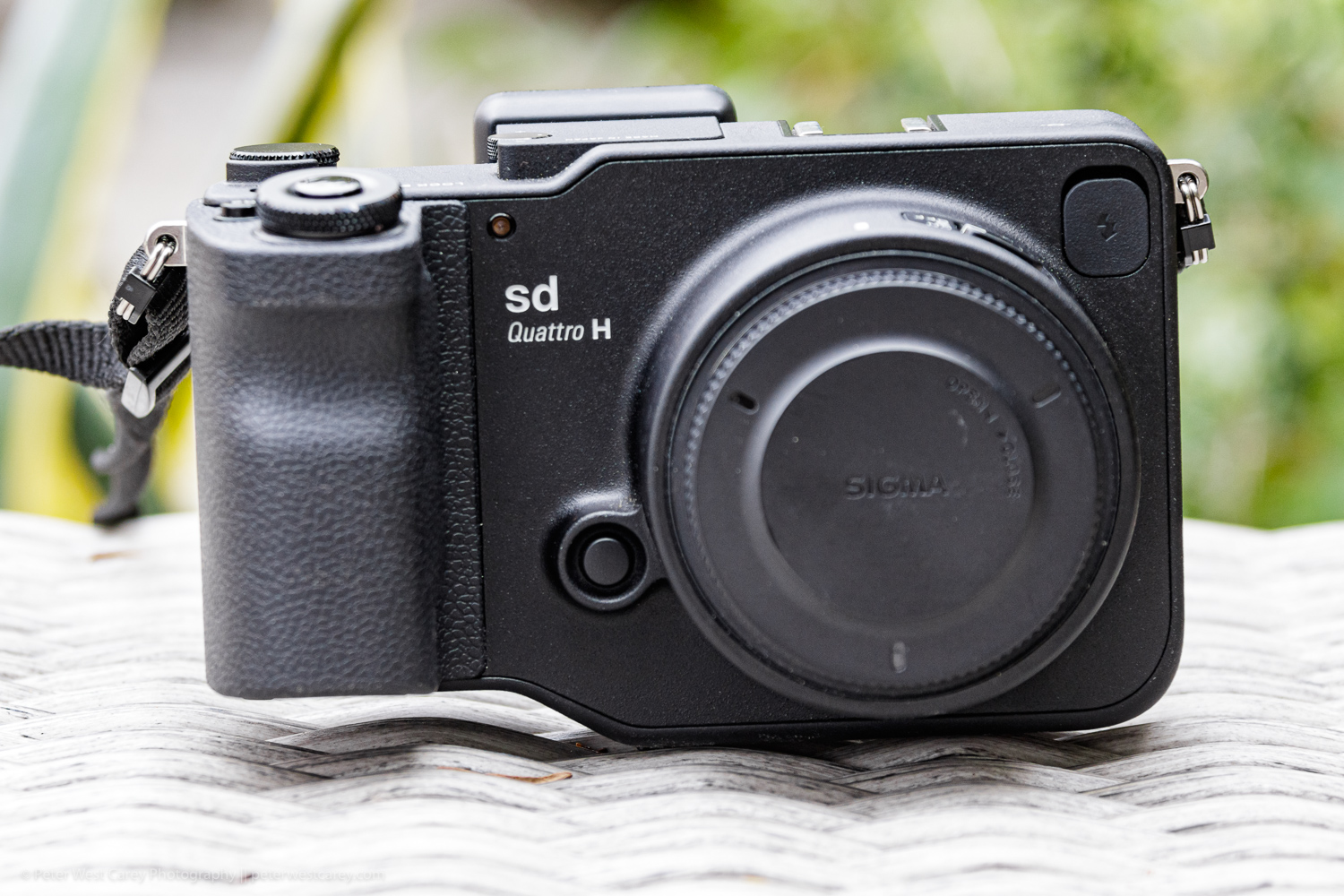 https://i0.wp.com/digital-photography-school.com/wp-content/uploads/2019/07/Sigma-sd-quattro-H-review-PWC-6744.jpg?resize=1500%2C1000&ssl=1