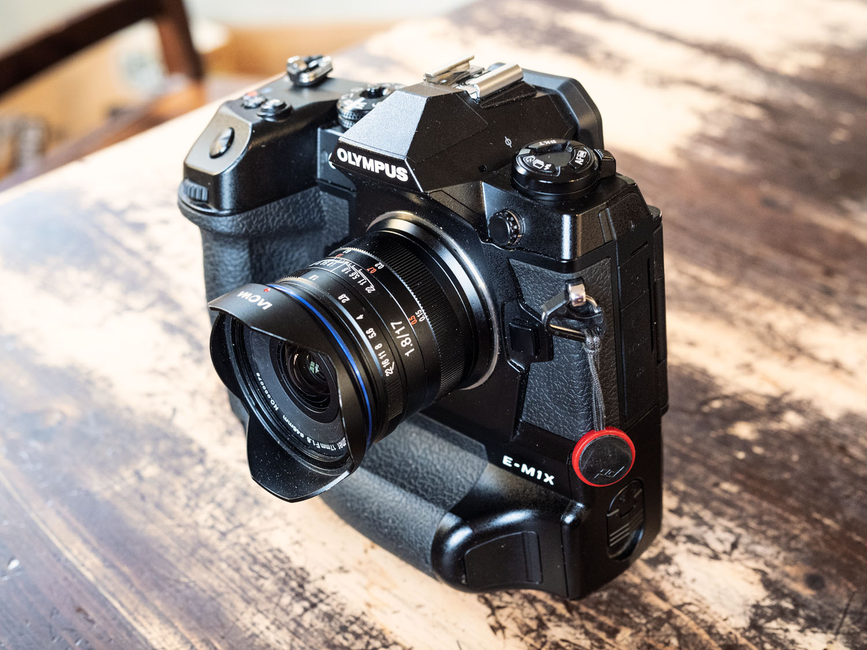 review-laowa-17mm-f1.8-lens-MFT