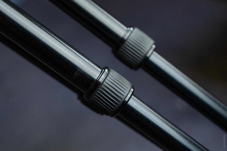 choosing the right tripod – Twist-locks on a tripod.