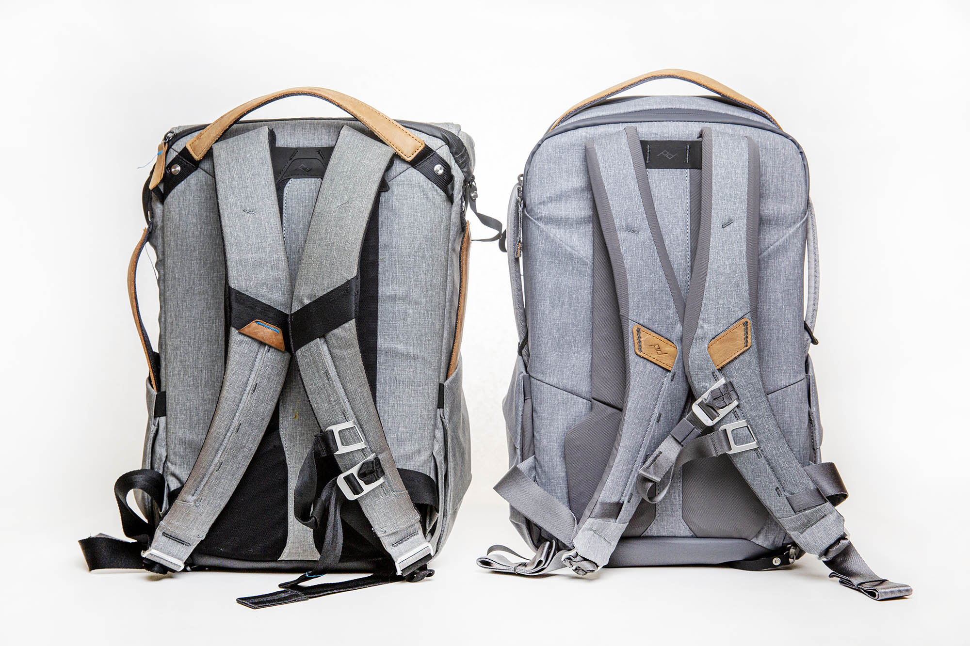 peak design everyday backpack zip review - comparison of V1 and V2