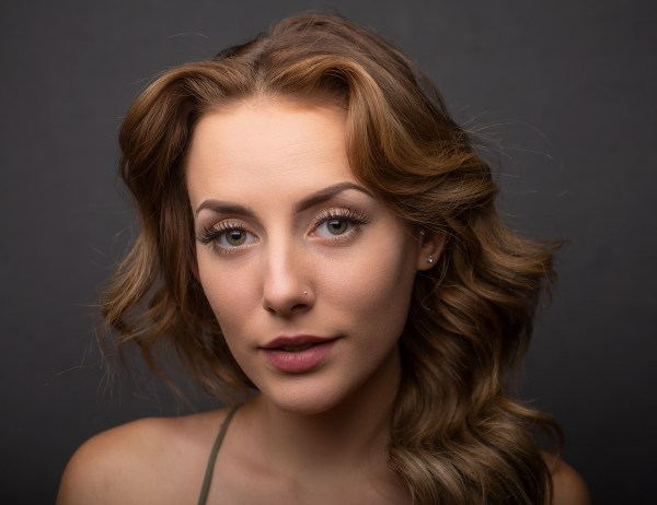 4 Ways of Creating Effective Catchlights in Portraiture