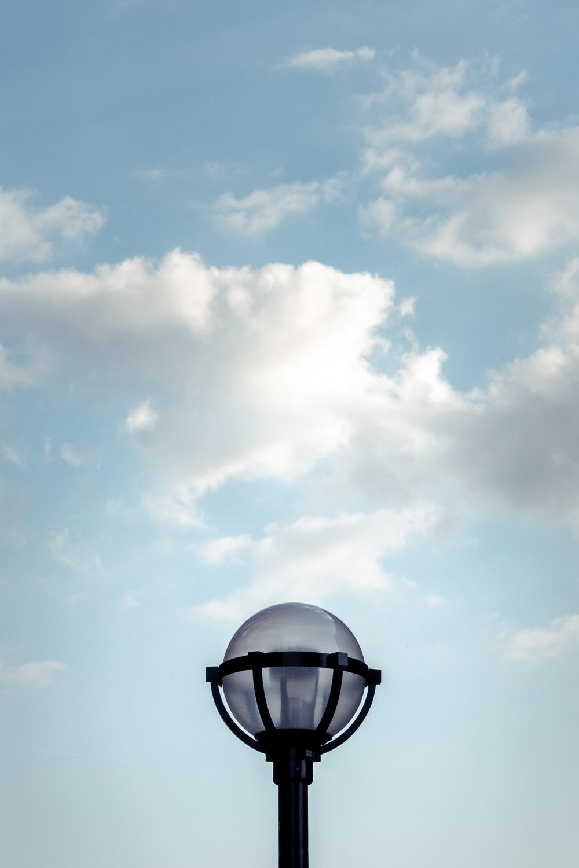 Fujifilm X-T4 review lamppost sample photo