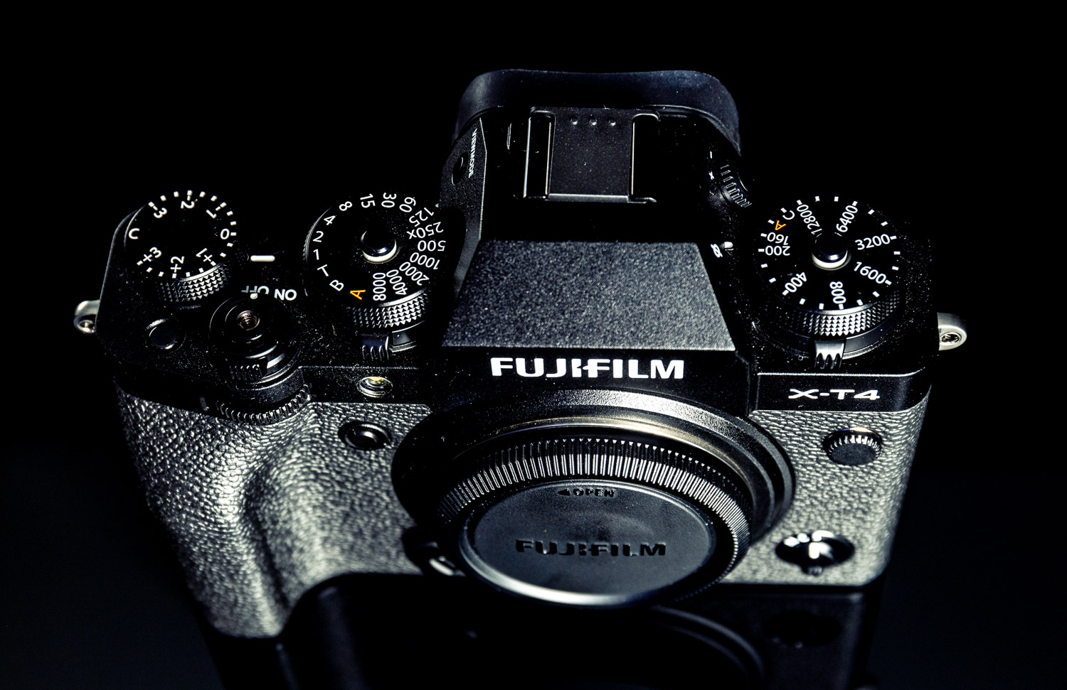 Fujifilm X-T4 review top view