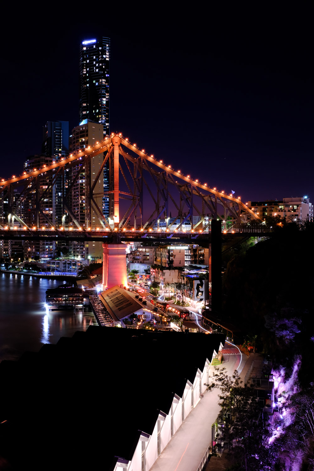Story Bridge and Howard Smith Wharves at night (using the NiSi Natural Light filter)
