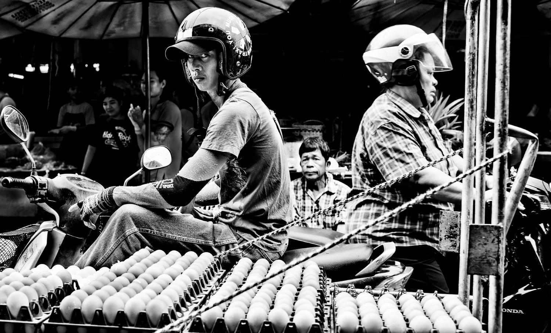 Fotografia de rua de mercado. © Kevin Landwer-Johan.