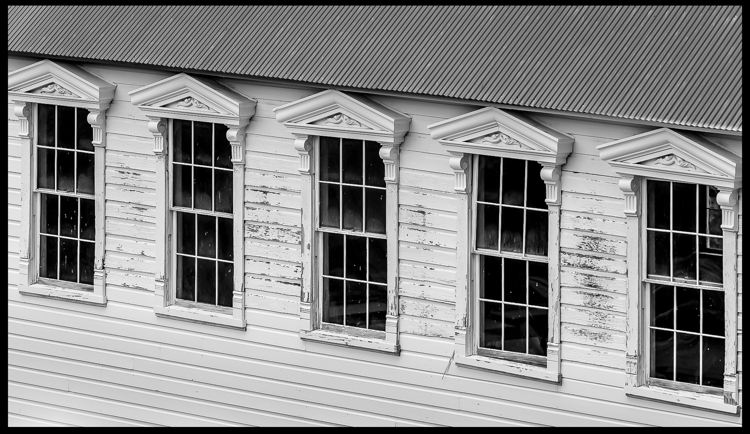windows in a row of five