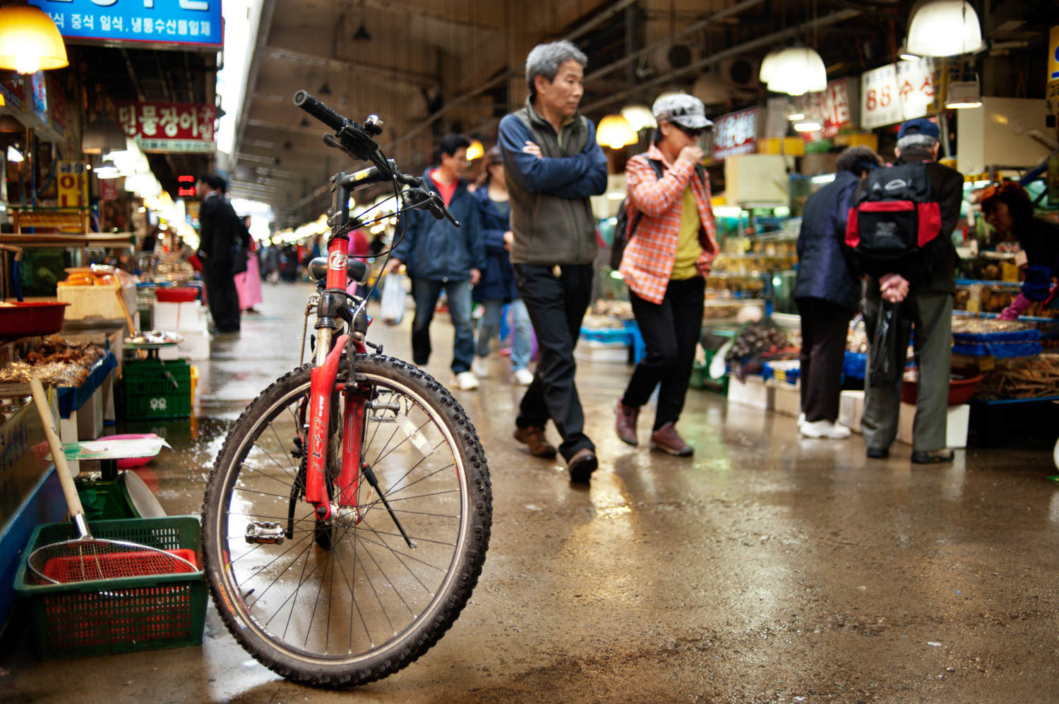 Bike at a wet market in Korea