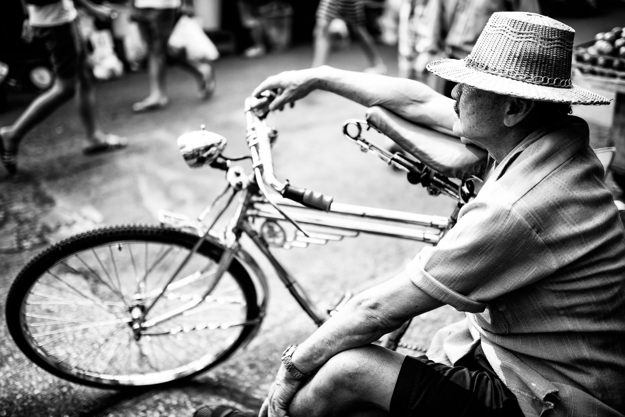 descansando no mercado. © Kevin Landwer-Johan