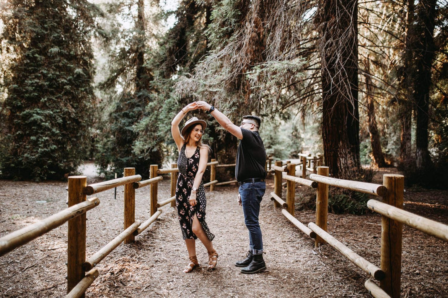 candid photography tips man and woman dancing