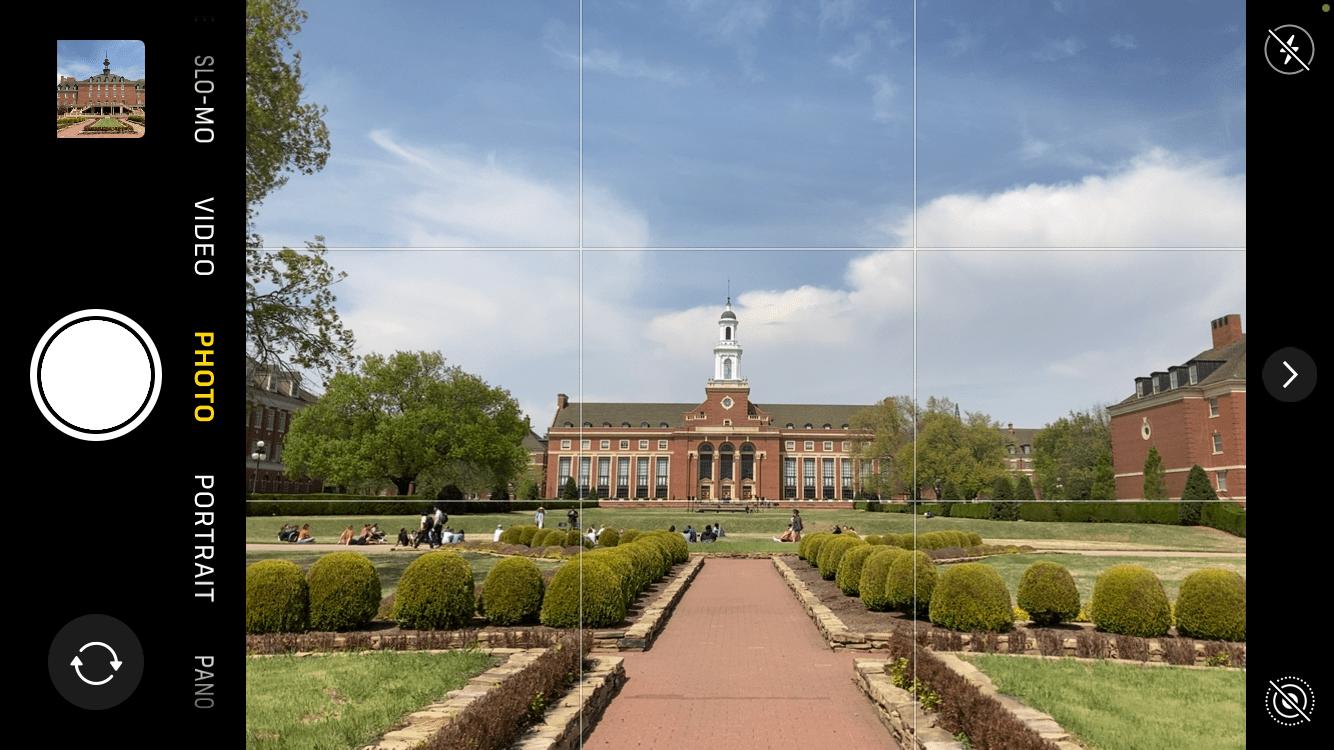 jardim e biblioteca do campus