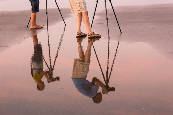 24 Reflective Mirror Images to Make You Look Twice