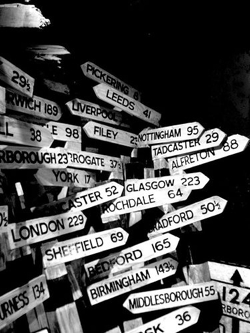 Photographing Signs – Travel Photography Tip