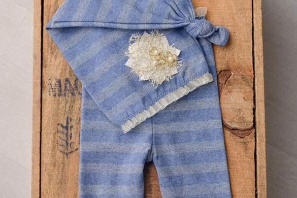 100. Newborn Pants And Hat Set