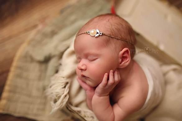 40. Newborn Headband 2