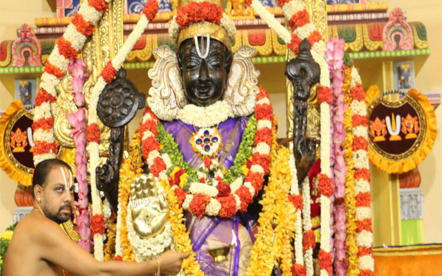 Athi Varadar: The deity who gives darshan once in forty years 2