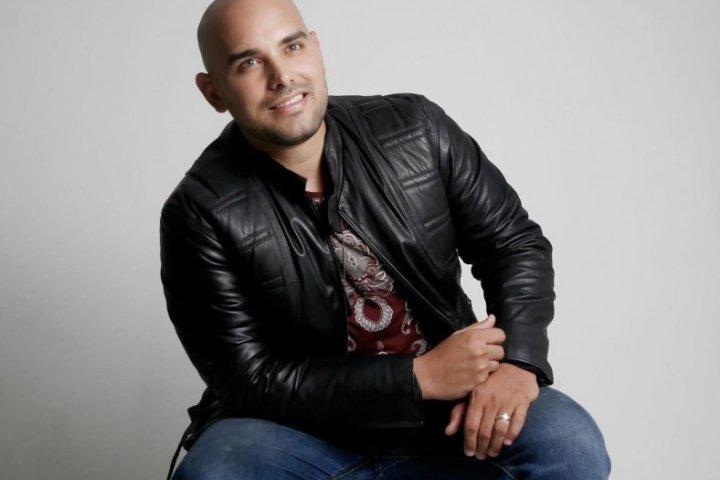 Francisco Padrón se consolida con el tema «Pintarte»
