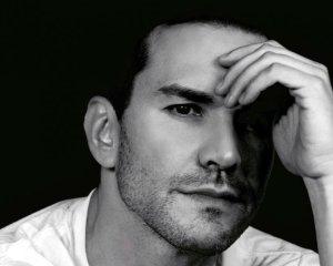 Robert Avellanet regresa a la TV venezolana en la serie «Tómame o Déjame»