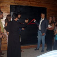 Cueva Bar & Lounge abrió sus puertas