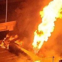 Explota gandola de PDVSA en la autopista Francisco Fajardo de Caracas