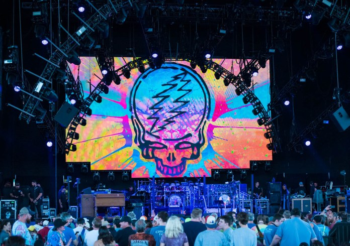 Dead & Co. are about to start at Ruoff Music Center in Noblesville, IN. || 06-12-19 || Photos by ©Pix Meyers 2019